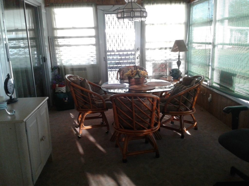Ft Myers Retirement Living in Coachlight Manor, FL, Fort