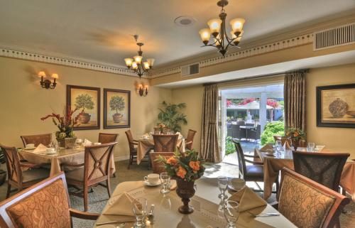 Bradford Square Senior Living In Placentia California