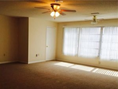 Move-in Ready 1B/1.5B Condo in 55+ community