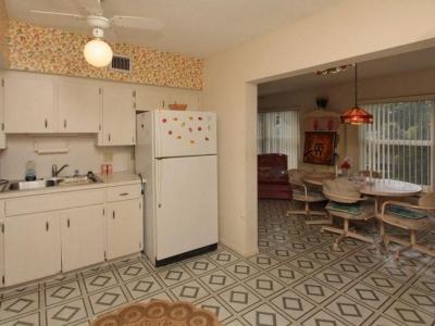 4048 kitchen Florida room