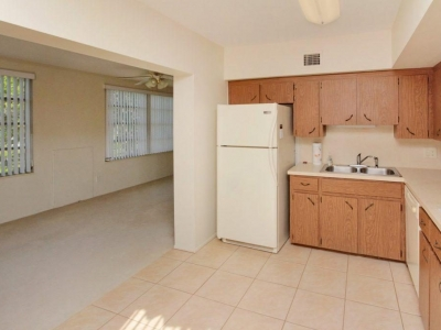 1422 kitchen Florida room
