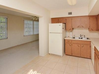 1422 kitchen Florida room