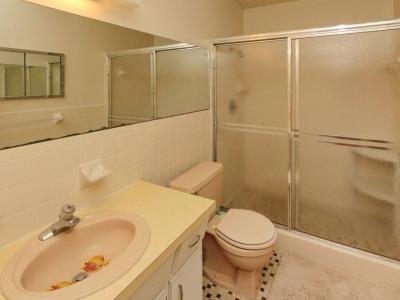 5740 en suite master bath