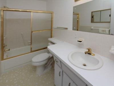 45106 en suite master bath