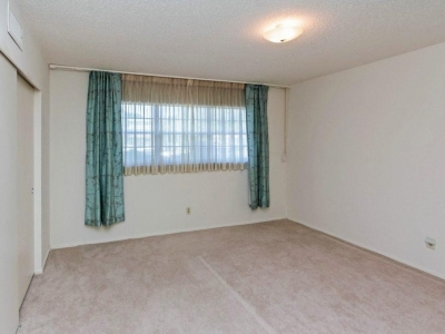 2107 guest room