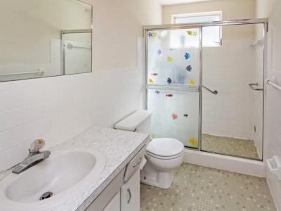 2107 en suite master bath