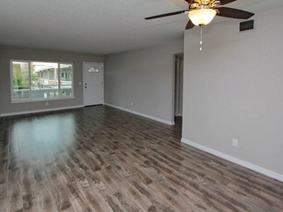 5563 living dining room