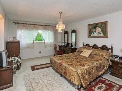#4570 master bedroom
