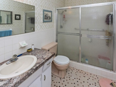 #4570 en suite master bath