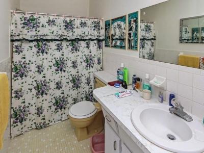 #4570 guest bath