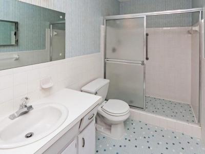 #4486 en suite maste bath
