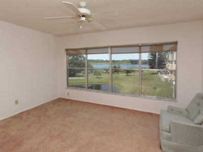 #9030 great room w/ view of lake