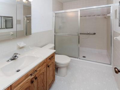 #7337 en suite master bath