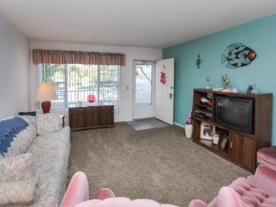#4943 living room
