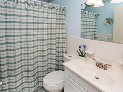 #4943  en suite master bath