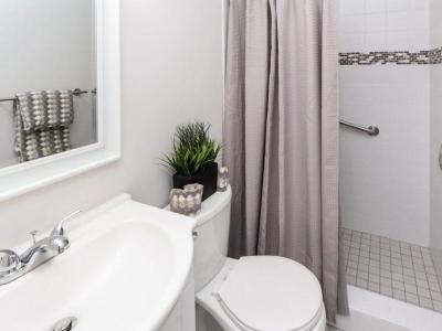 #2129 en suite master bath