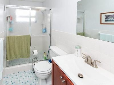 #6052 en suite master bath