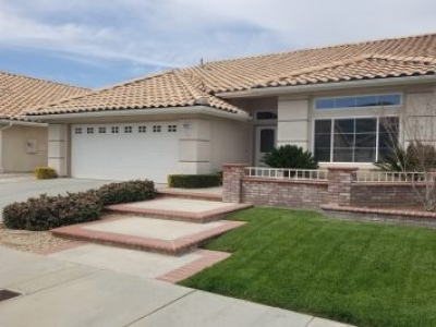 Stunning home in Sun Lakes , CA, 20 minutes from Palm Springs