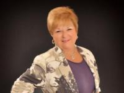 Active Adult 55+ Community Real Estate Specialist in Central Florida