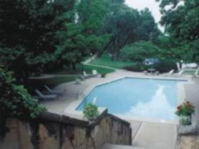 TWIN LAKES APARTMENTS - WICHITA, KS